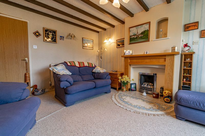 3 bed house for sale in Milford Close 3