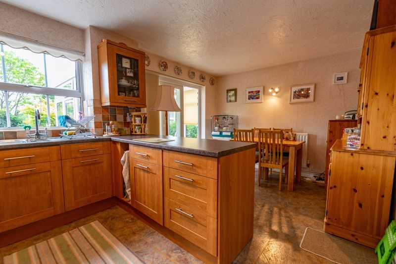 3 bed house for sale in Milford Close 5