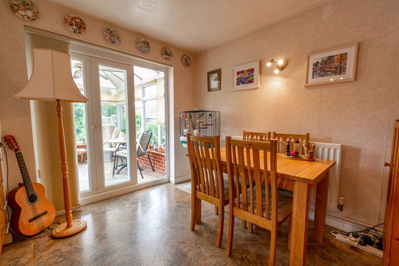 3 bed house for sale in Milford Close 6