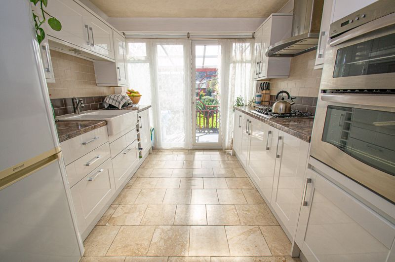 2 bed house for sale in Arrowdale Road  - Property Image 4