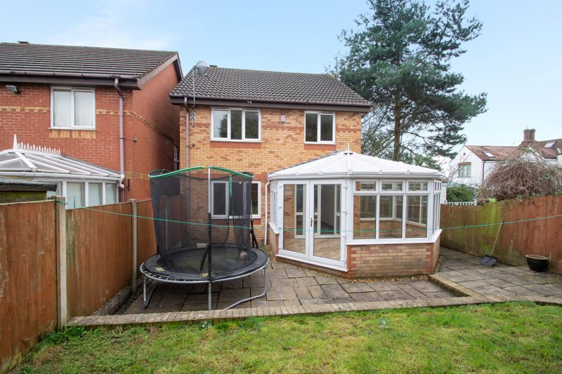 4 bed house for sale in Pear Tree Drive 13