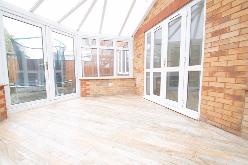 4 bed house for sale in Pear Tree Drive 16