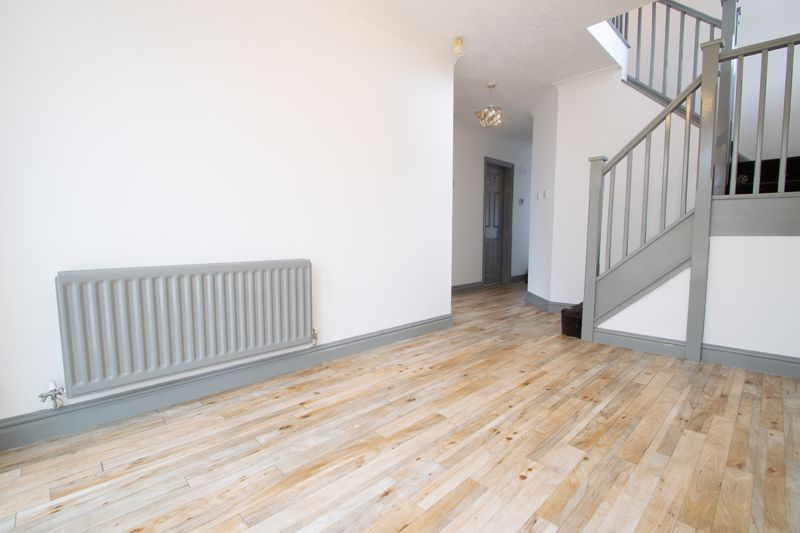 4 bed house for sale in Pear Tree Drive 5