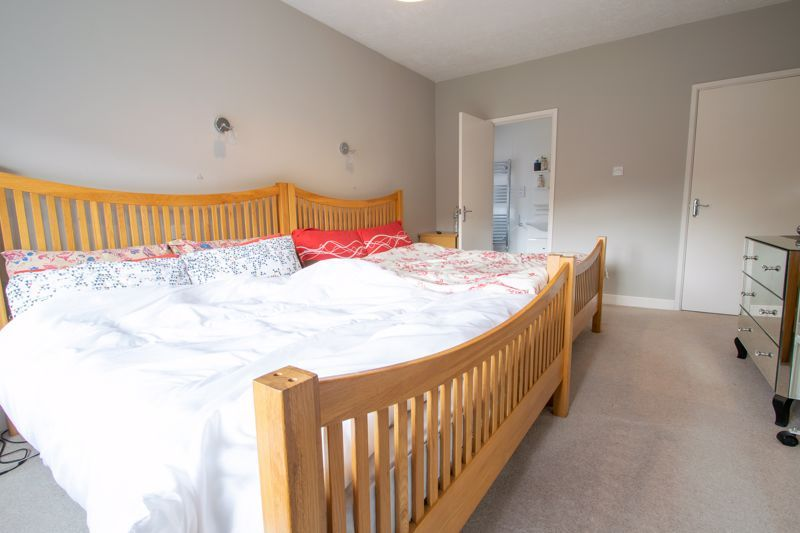 4 bed house for sale in Haden Hill Road 15