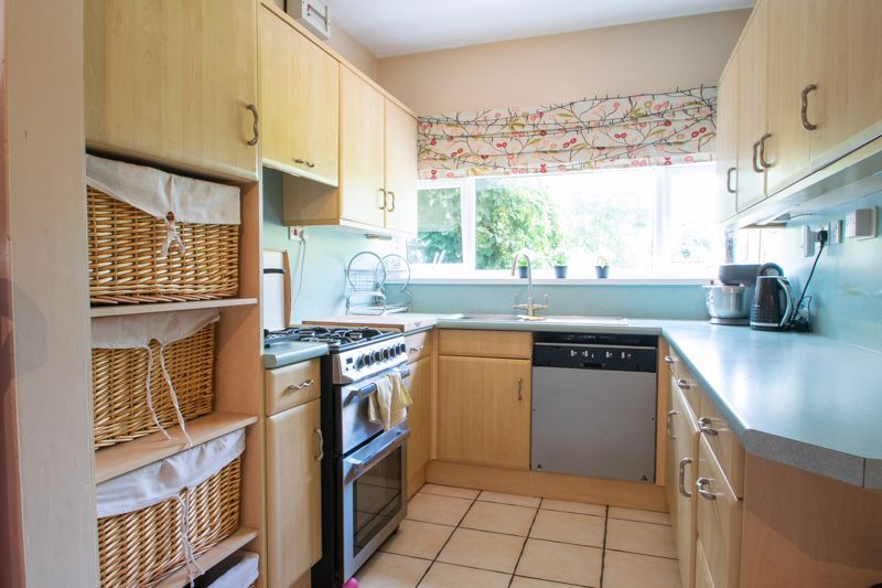 4 bed house for sale in Haden Hill Road 5