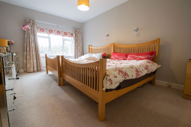 4 bed house for sale in Haden Hill Road 8