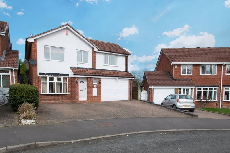 4 bed house for sale in Stanmore Grove 1