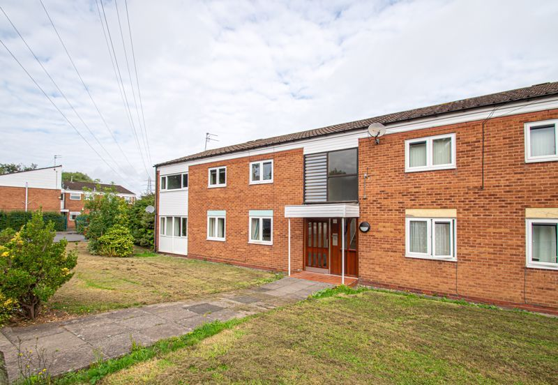 2 bed flat for sale in Herons Way 1