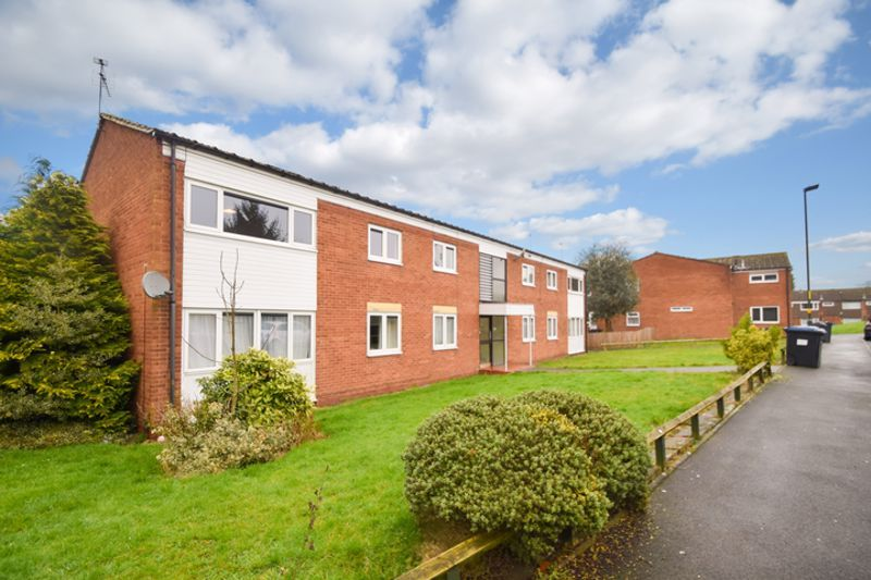 2 bed flat for sale in Herons Way 13