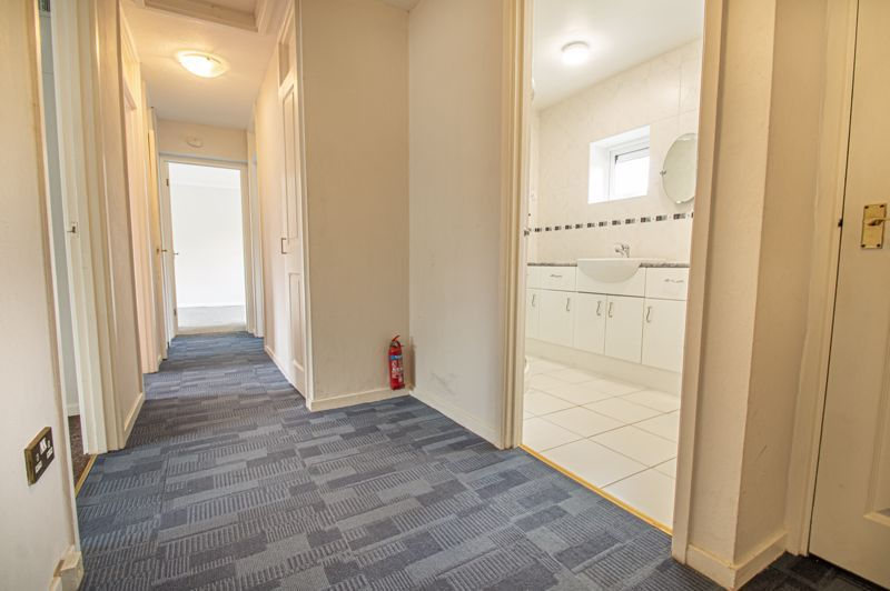 2 bed flat for sale in Herons Way  - Property Image 10