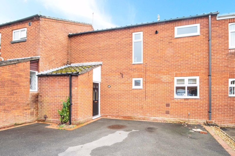 3 bed house for sale in Mendip Road 1