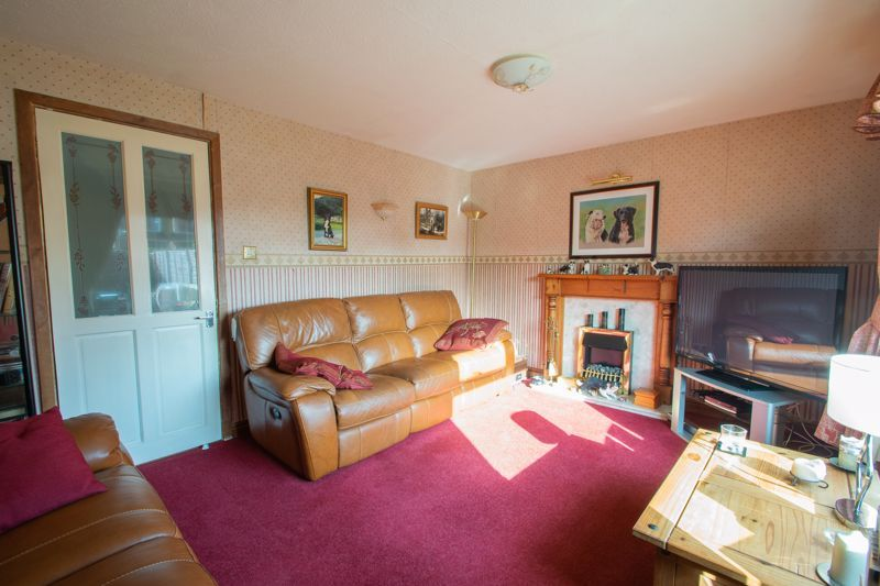 3 bed house for sale in Mendip Road  - Property Image 2