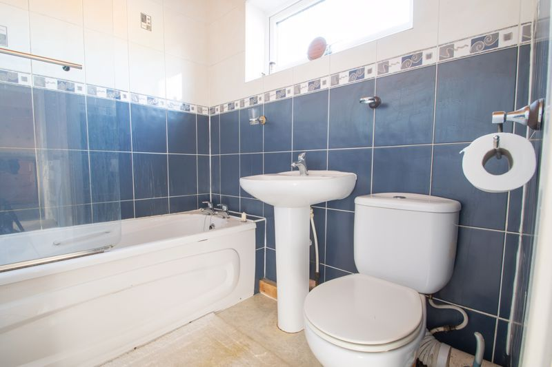 3 bed house for sale in Mendip Road  - Property Image 11