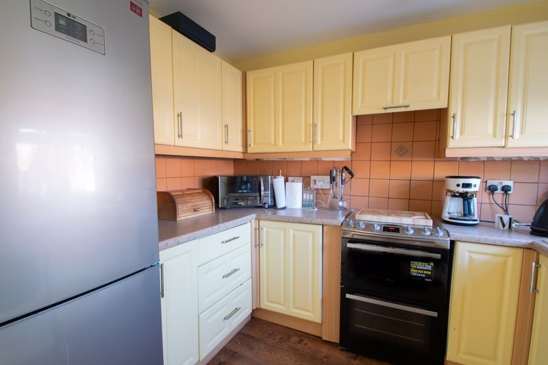 3 bed house for sale in Mendip Road 5