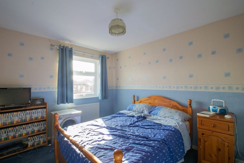 3 bed house for sale in Mendip Road 9