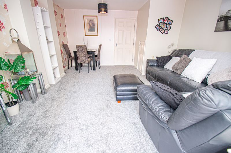 3 bed house for sale in Chestnut Drive 3