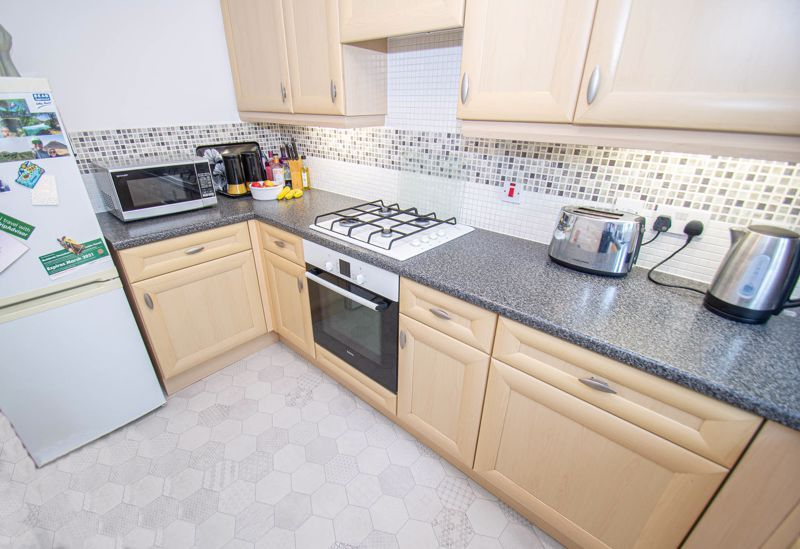 3 bed house for sale in Chestnut Drive  - Property Image 5