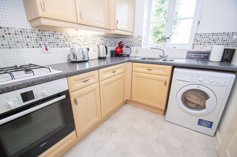 3 bed house for sale in Chestnut Drive 6
