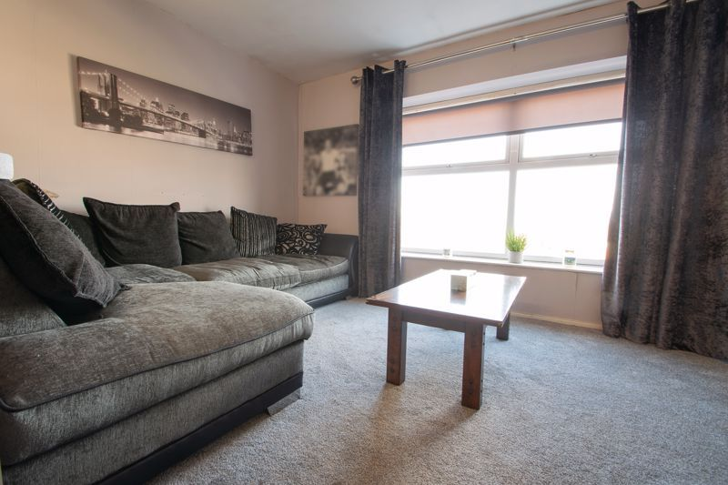 1 bed flat for sale in Glynn Crescent 2