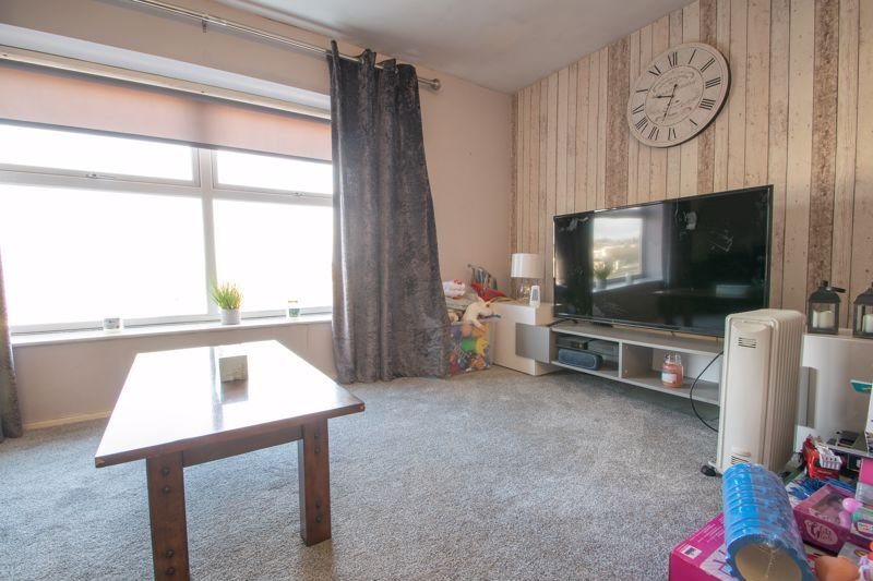 1 bed flat for sale in Glynn Crescent  - Property Image 3