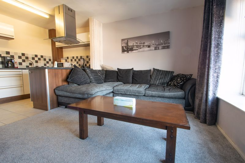 1 bed flat for sale in Glynn Crescent 4