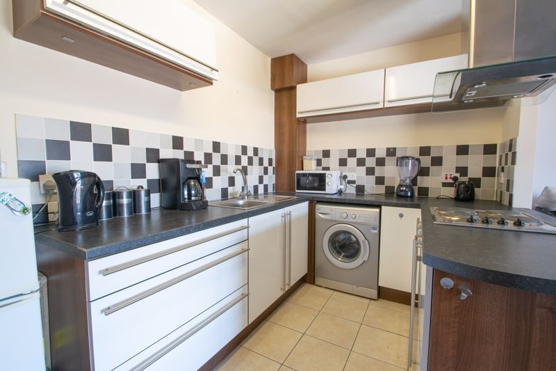 1 bed flat for sale in Glynn Crescent 6
