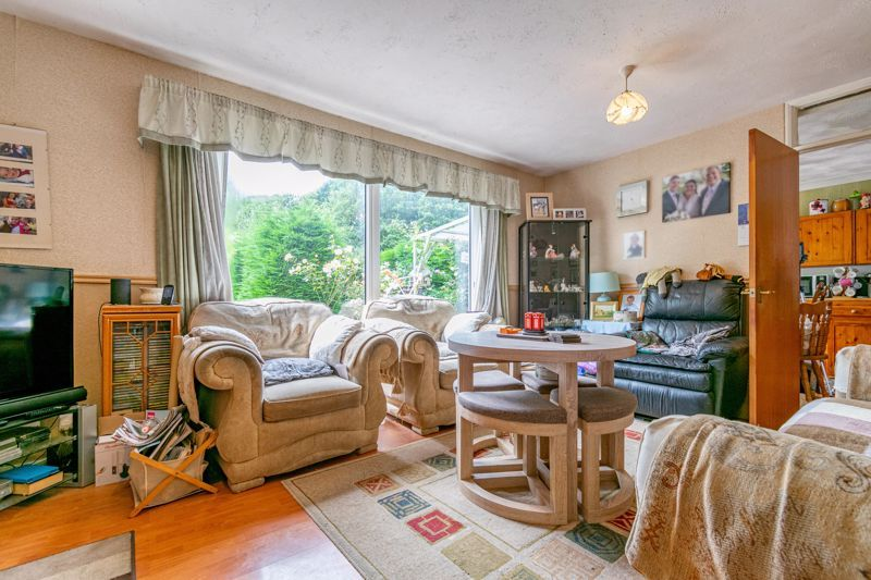 3 bed house for sale in Evenlode Close  - Property Image 2