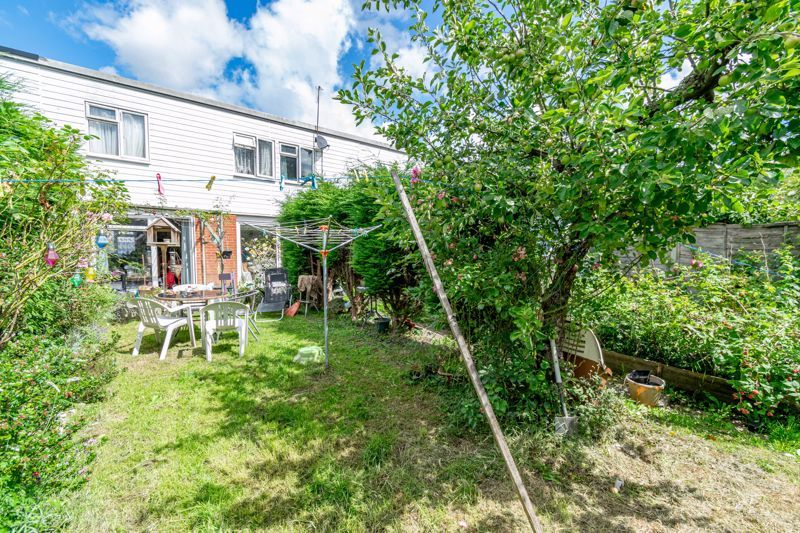 3 bed house for sale in Evenlode Close 12