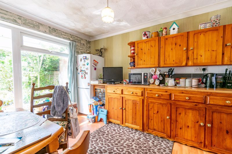 3 bed house for sale in Evenlode Close 4