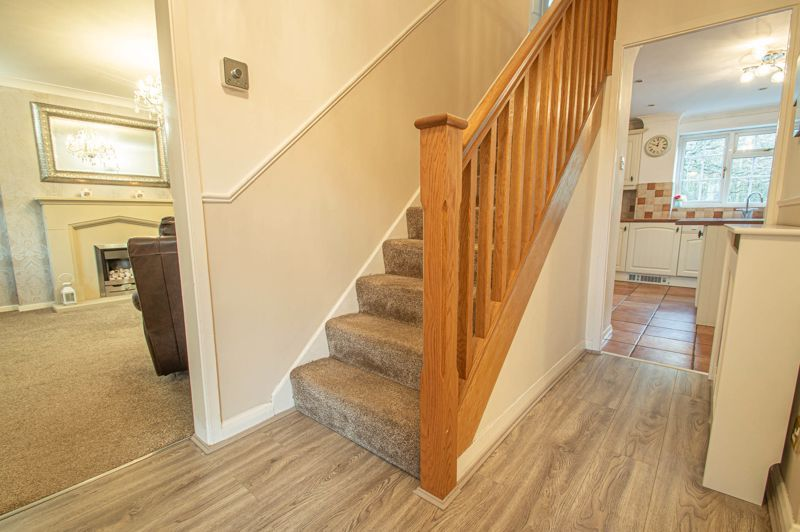 5 bed house for sale in Lineholt Close 11