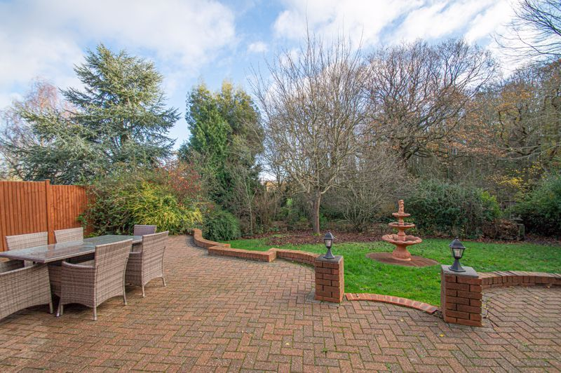5 bed house for sale in Lineholt Close 14