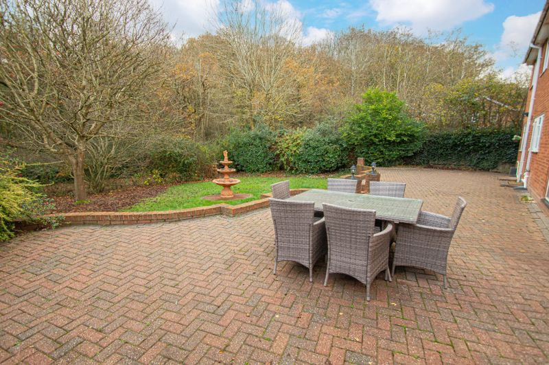 5 bed house for sale in Lineholt Close  - Property Image 15