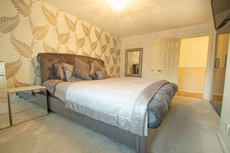 5 bed house for sale in Lineholt Close 17