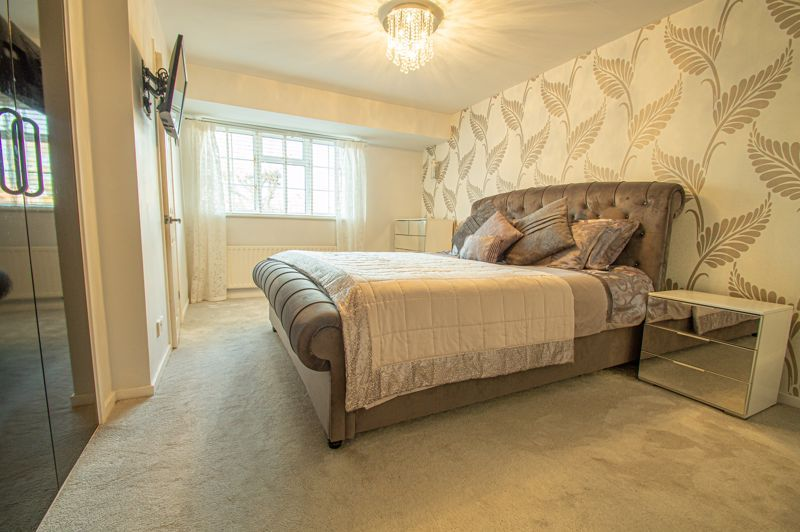 5 bed house for sale in Lineholt Close 5