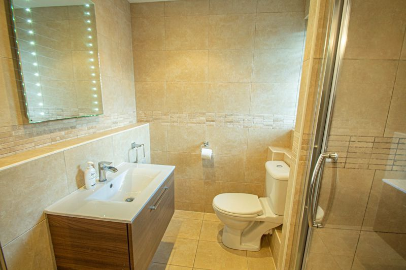 5 bed house for sale in Lineholt Close 6