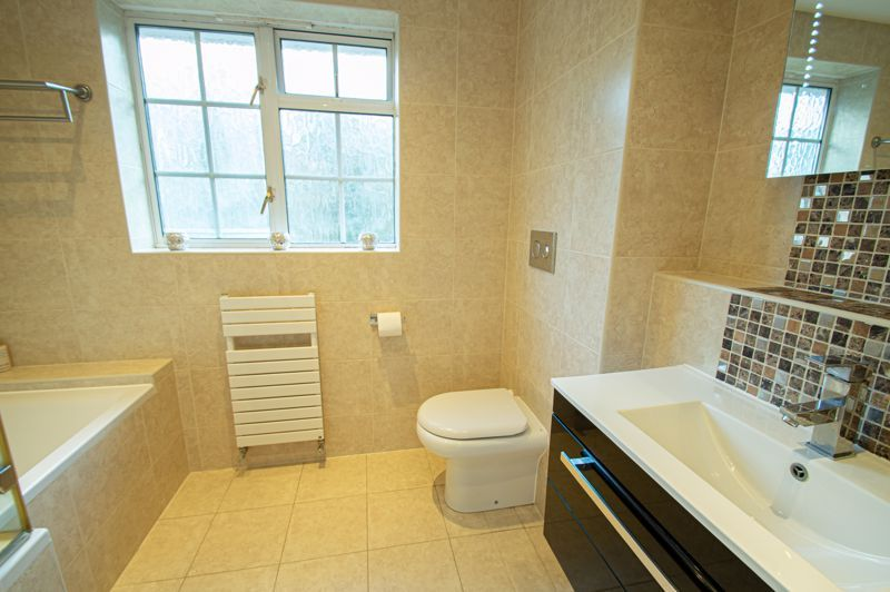 5 bed house for sale in Lineholt Close 10