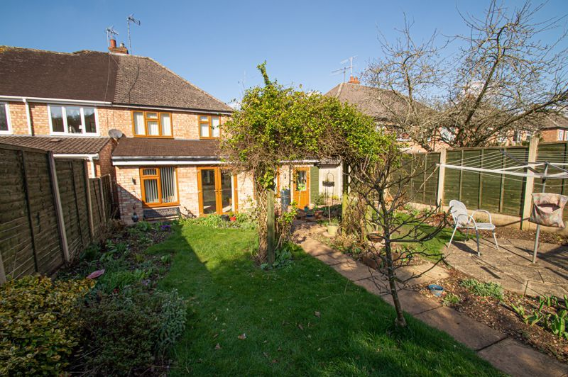 3 bed house for sale in Jubilee Avenue 14
