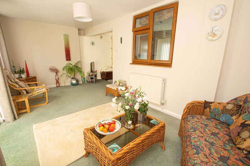 3 bed house for sale in Jubilee Avenue 16