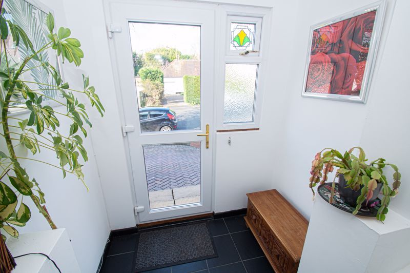 3 bed house for sale in Jubilee Avenue 8