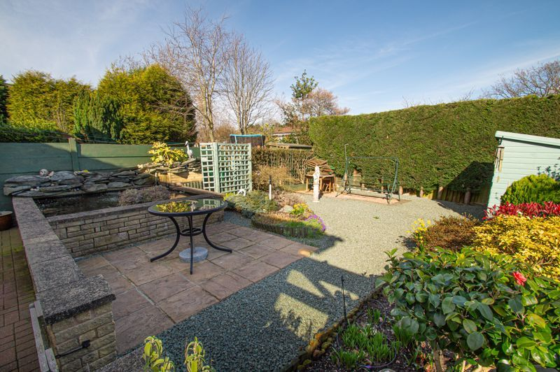 3 bed house for sale in Broomehill Close  - Property Image 14