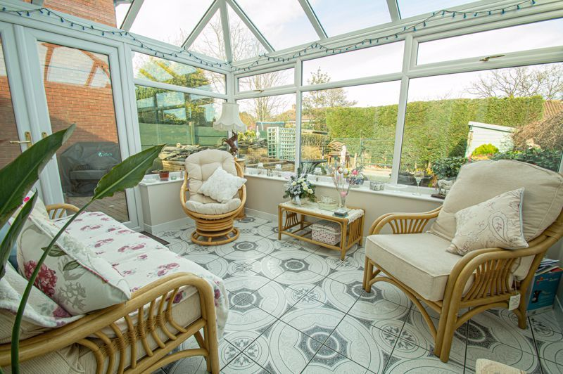 3 bed house for sale in Broomehill Close  - Property Image 6