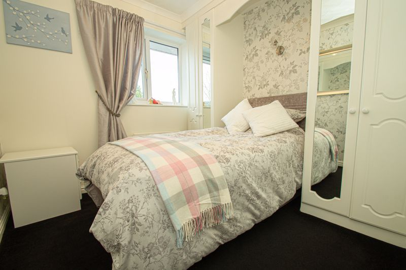 3 bed house for sale in Broomehill Close 10