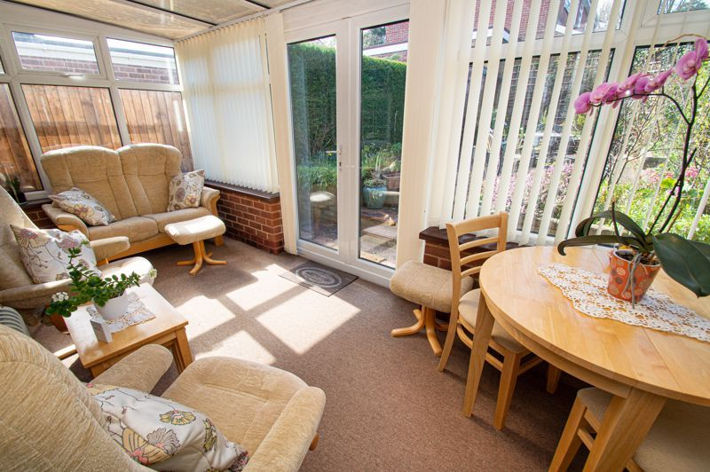 2 bed bungalow for sale in Ladbrook Close 6