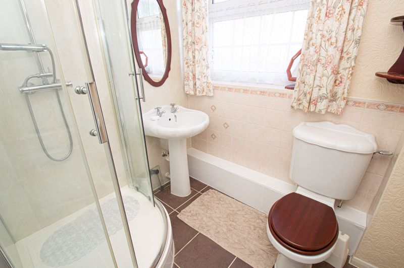 2 bed bungalow for sale in Ladbrook Close  - Property Image 9