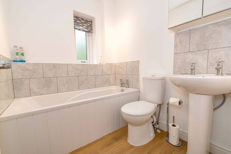 2 bed house for sale in Ashmores Close 11