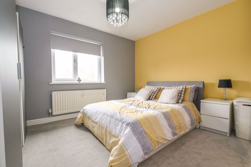 2 bed house for sale in Ashmores Close 7
