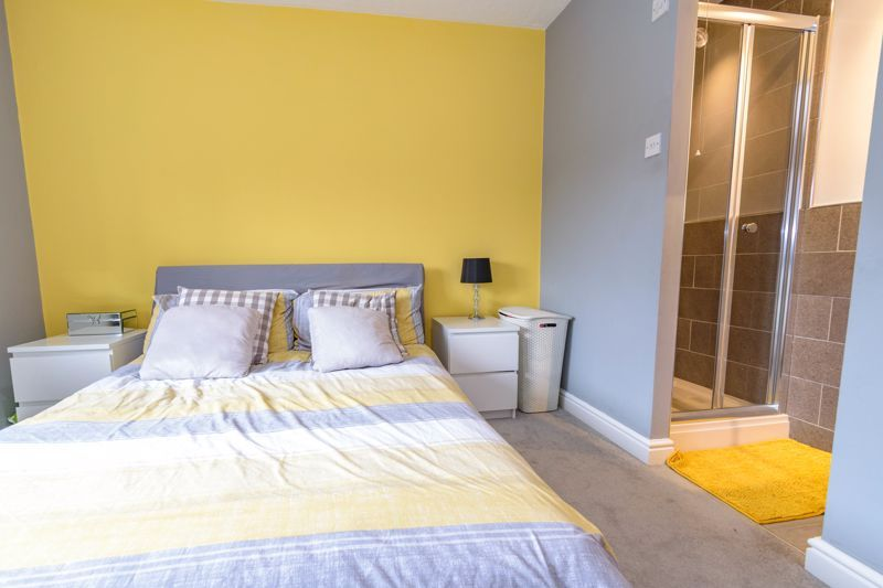 2 bed house for sale in Ashmores Close 8