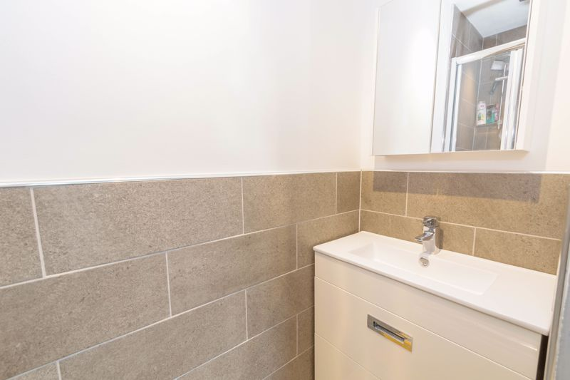 2 bed house for sale in Ashmores Close 9