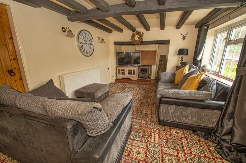 3 bed cottage for sale in Astwood Lane 17