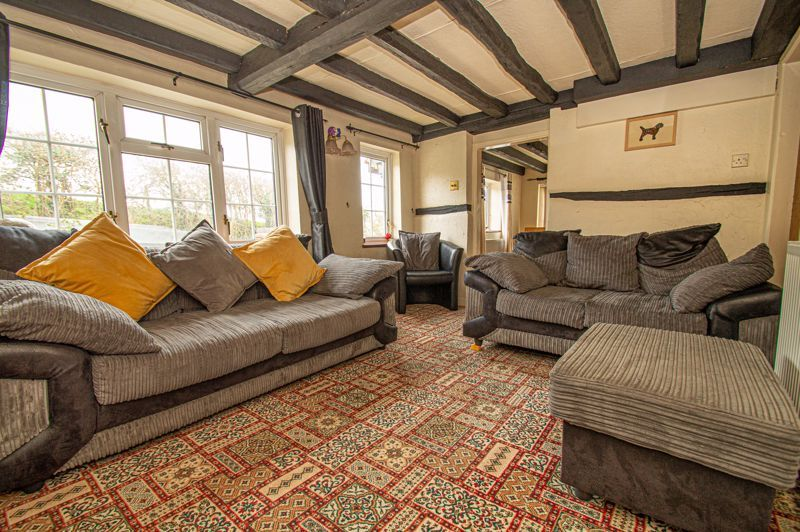 3 bed cottage for sale in Astwood Lane 3